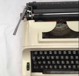 Máquina de escrever Datilografia