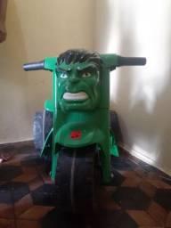Moto do hulk infantil