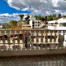 Aluga-se apartamento no 3° andar - Bairro São Vicente