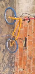 Bicicleta para criança de meia idade 150R$