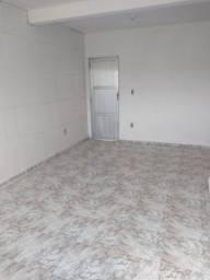 Aluga-se Casa 03 Quartos, bairro Visconde, Macaé/RJ próximo ao JPavani