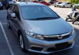 Honda - Civic 1.8 16v LXS Flex Ano Modelo: 2013 Branco em Ótimo Estado Sem nenhum Arranhão