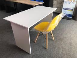 Mesa e cadeira eiffel
