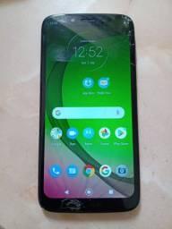 Moto G7 Play 32g com detalhe