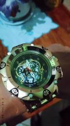 Vendo relógio invicta Venom Hibrid