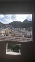 Excelente Kitnet Situado em Copacabana/RJ