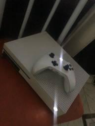 Xbox oxe s semi novo completo vende ligeiro