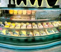 Vitrine de sorvetes ISA modelo Gelato Show