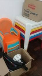 Vendo mesas e cadeiras infantil
