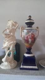 Linda. Anfora...de. Porcelana. Francesa
