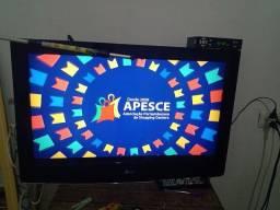Tv LCD 32 polegadas 250 com vonvesor ( atenção a discrição)