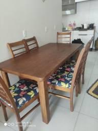 Vendo mesa de madeira nobre