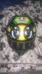 Vendo esse lindo capacete AGV 1LINHA.