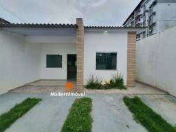 Casa com 3 quartos no Parque 10 - possui área gourmet e piscina