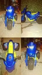Moto elétrica Infantil Bandeirante