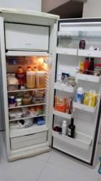 Refrigerador e Frizer Brastemp funcionando
