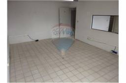 Sala na Av. Marcarenhas de Morais com 18 m²