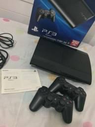 PlayStation 3 + 2 controles s/ fio + 5 jogos