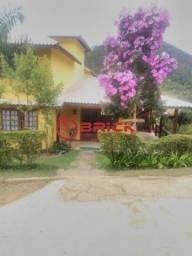 Casa com 4 suítes em condomínio em Venda Nova. Teresópolis- RJ.
