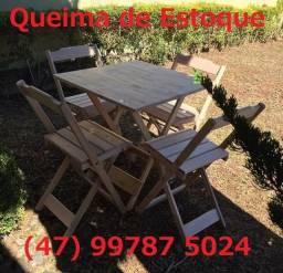 Mesa Dobrável com 2 ou 4 cadeiras - NOVO - madeira maciça