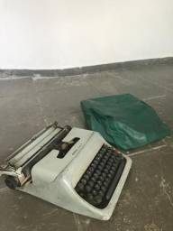 Máquina escrever usada