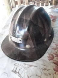 (PARA COLECIONADORES) Capacete usado em mina.