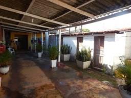 Vende-se casa no Novo Horizonte 3 quartos sendo 1 suíte