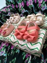 Atenção lindos sapatinhos 4 pares por 65 de bebê tamanho 16
