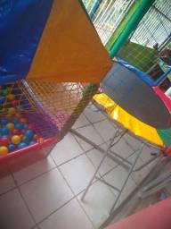 Alugo pula pula+casinha de Bolinhas
