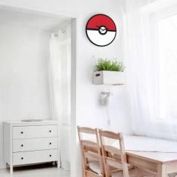 Receba em 24hrs em casa Relógio de Parede Temático Pokébola Pokémon preco de Black Friday