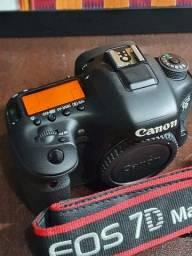 Câmera Canon 7D MarkII - 9500 cliques - impecável!