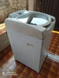 Título do anúncio: Máquina de lavar semi nova
