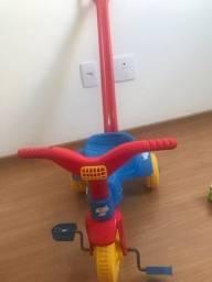 Triciclo velocípede infantil