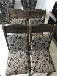 4 cadeiras estampadas bege com madeira
