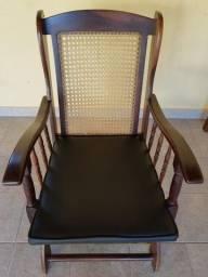 Cadeira de Balanço em madeira de Lei Imbuia