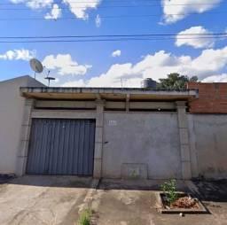 Título do anúncio: À venda lote com 2 barracões Prontos  e 1 uma casa em fase de acabamento com 5 quartos .