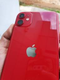 Troco iPhone 11 64 Gb ( Ainda na Garantia Apple )