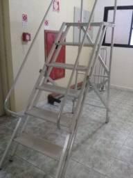 Escada Plataforma trepadeira com 6 degraus
