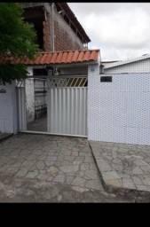 COD C- 90 Casa em mangabeira cidade verde com 3 quartos sendo bem localizado