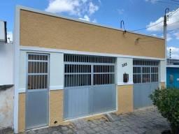 Casa com 4 dormitórios à venda por R$ 550.000,00 - Heliópolis - Garanhuns/PE