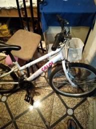 Vende bicicleta caloi aro 21 com macha no câmbio super nova