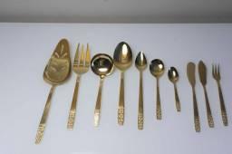Faqueiro Em Inox Dourado Coreano Com 126 Peças No Estojo