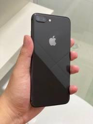 IPhone 8 Plus 64gb preto - ótimo estado!