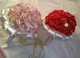 Arranjos florais e buquê de noivas