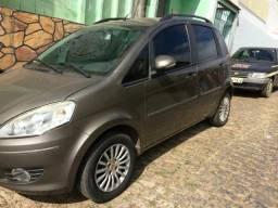 Vendo Mercedes e Fiat Idea Attractive - 2012