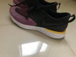 Tênis Nike corrida novo