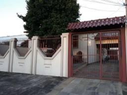 Casa no bairro Nossa Senhora das Graças, em Canoas, com 4 dormitórios. Cód. 50688