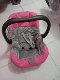 Vendo bebé conforto de menina