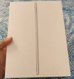 iPad 8ª geração 32gb Wi-Fi