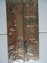Par de quadros de cobre alto relevo gravura Bahia R$600,00